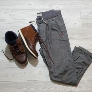 Boys shoes casual / dressy / sneakers
